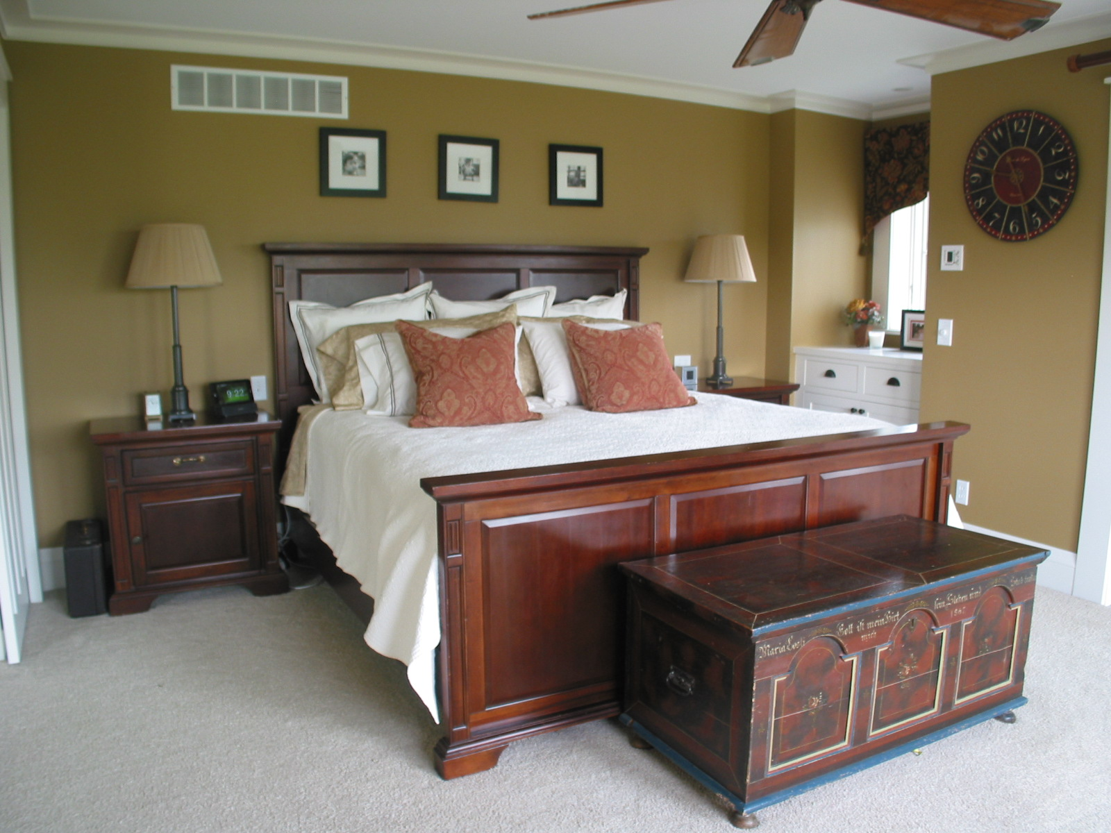 Whole-Builders-Bedroom-5122